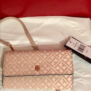 Tommy Hilfiger small wallet purse